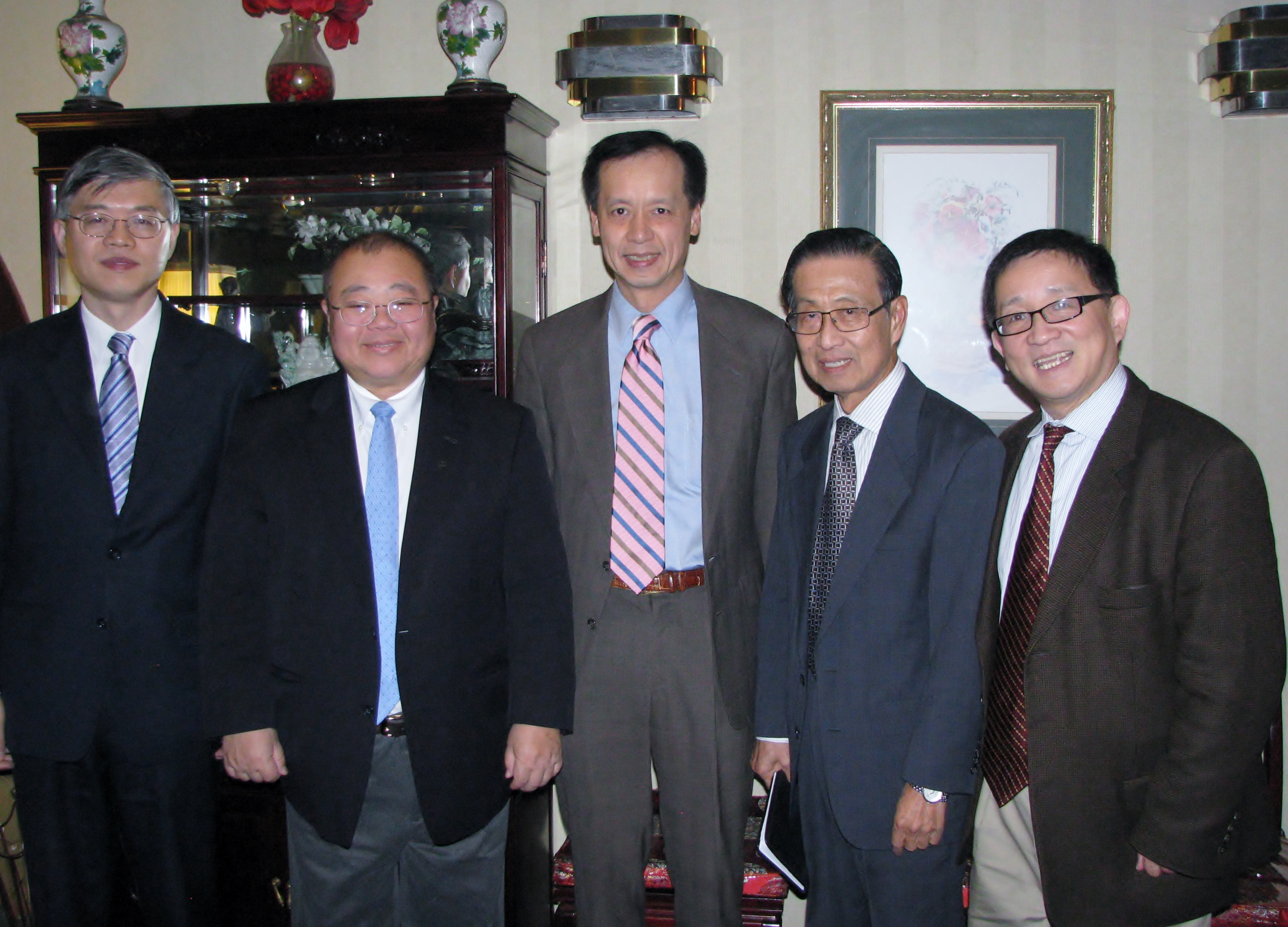 C-100 members Dali Yang, Jeremy Wu, Ben Wu, Michael Lin, and Cheng Li convene at C-100's Leadership Roundtable Dinner on November 17, 2014