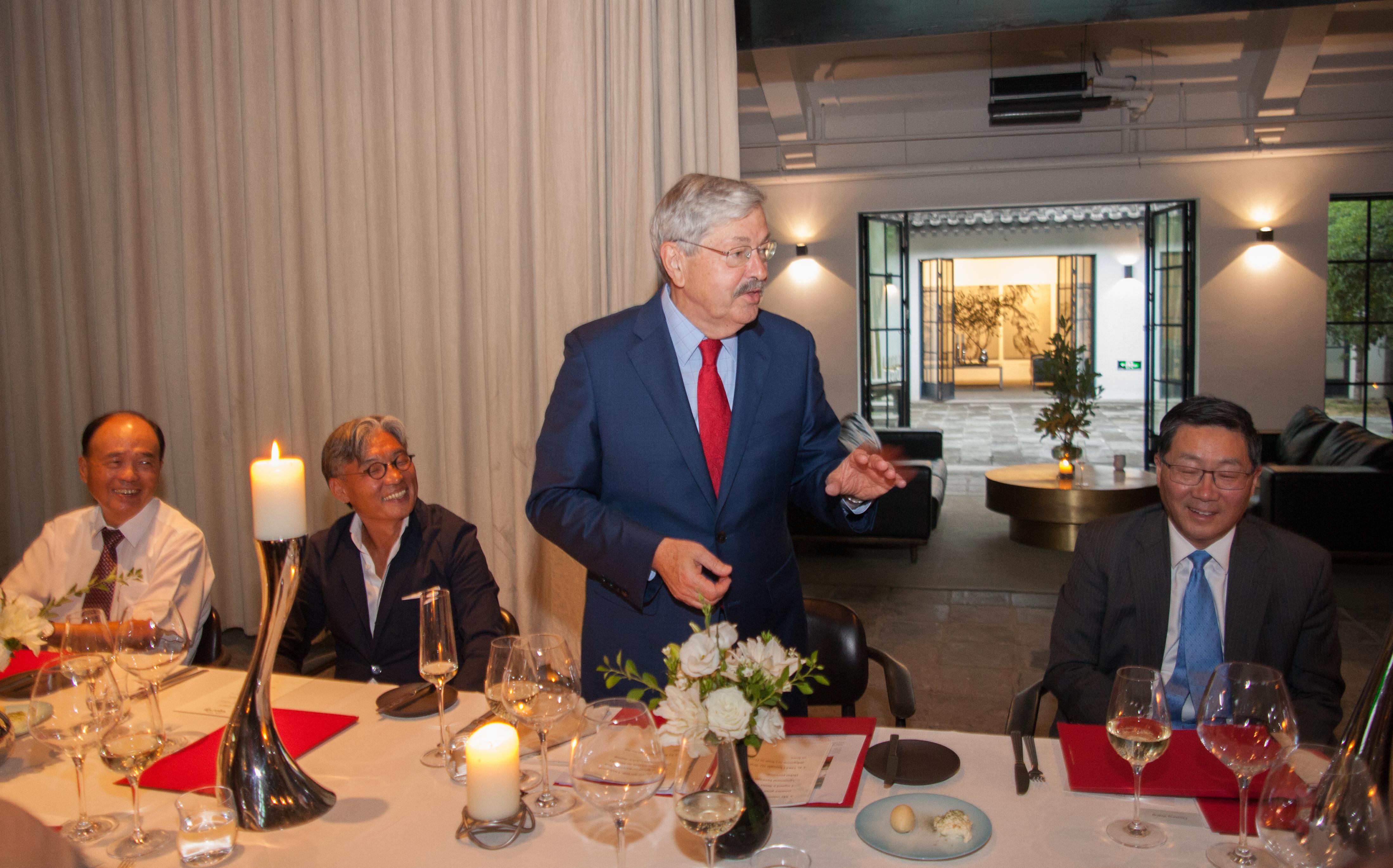 Ambassador Branstad speaks to guests